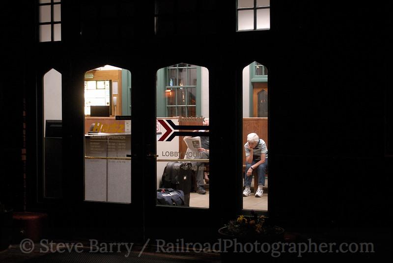 Photo 0907<br /> Amtrak; Flagstaff, Arizona<br /> May 12, 2007