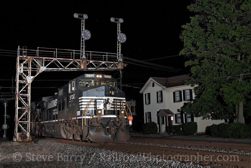 Photo 1913<br /> Norfolk Southern (on CSX); Glendale, Ohio<br /> August 15, 2010