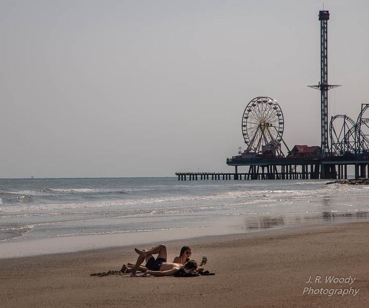 Beach Couple_10122017-5
