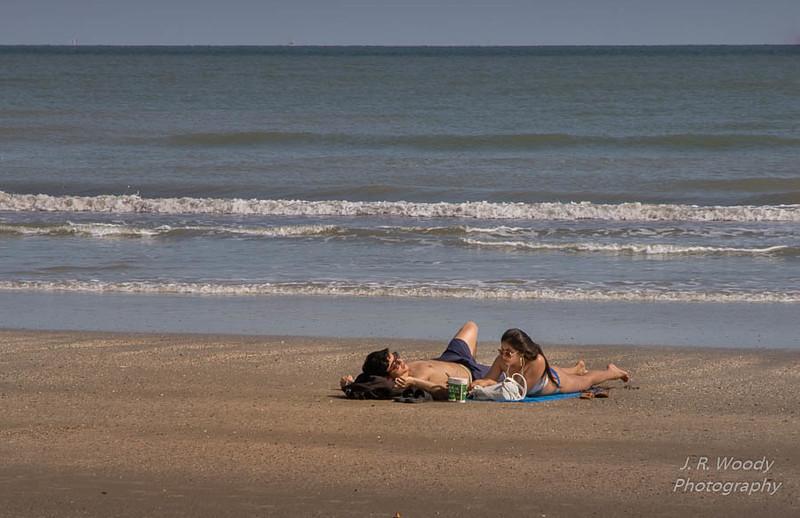 Beach Couple_10122017-1
