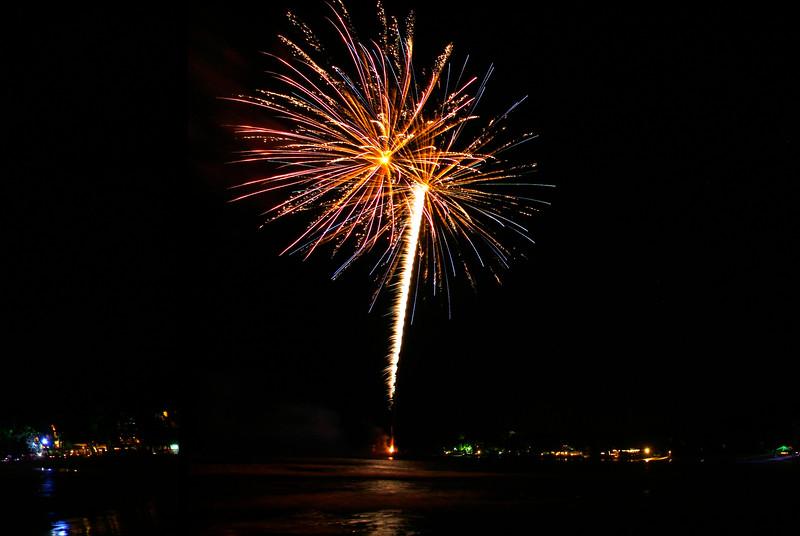 Firework photography by photographer Stuart Tippleston