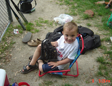 Tyler_at_Softball_06-09-2004
