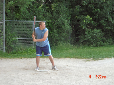 Eric_at_Softball_06-09-2004
