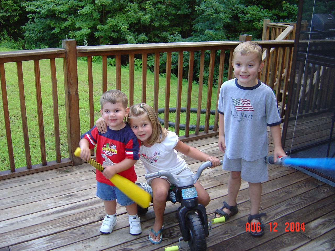 Justin_Natalie_and_Tyler-08-12-04