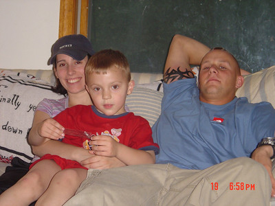 Betsy_Tyler_Uncle_Shawn_05-19-2004