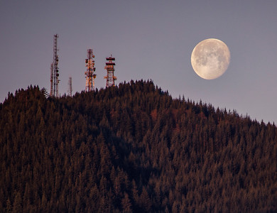 Moon Setting Sun Rising Rattlesnake Ridge