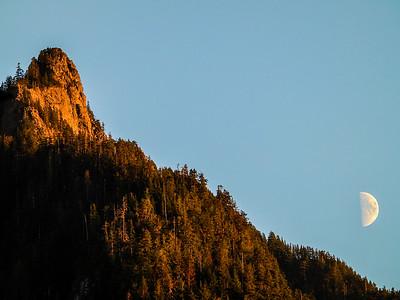 Half Moon Rising over Russian Butte Cascades 10-16-18