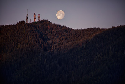Moon Setting and Sun Rising over Rattlesnake Mountain 5-2-18