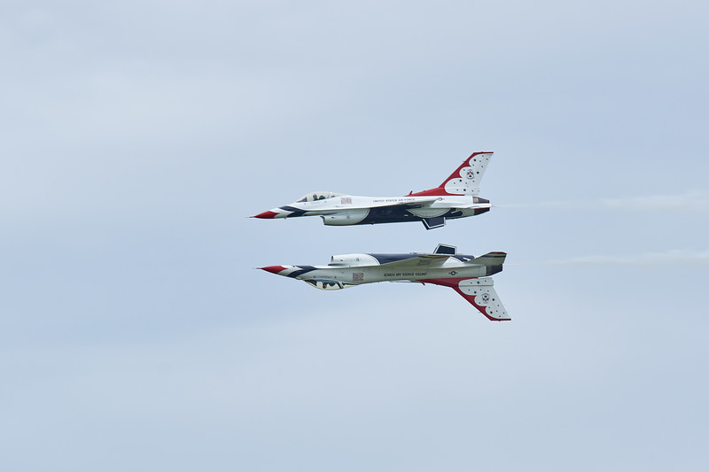 <h1>USAF Thunderbirds F-16C</h1> <p>Vince Mullen is a photographer in Batavia, NY. See more of my <a>Aircraft at Convincedimaging.com</a></p>