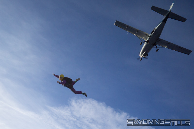 """Lia casually rolls over into a dive. <br><span class=""""skyfilename"""" style=""""font-size:14px"""">2018-11-04_skydive_cpi_0491</span>"""