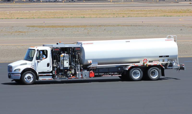 DV Fuel Truck Freightliner tandem rear