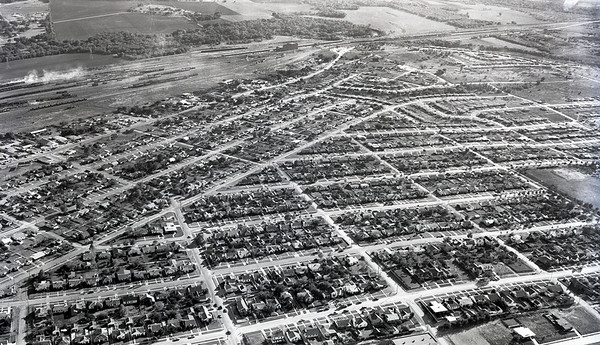 Aerial View: Fort Worth 1950. Above Clover Ln, looking South toward Vickery.