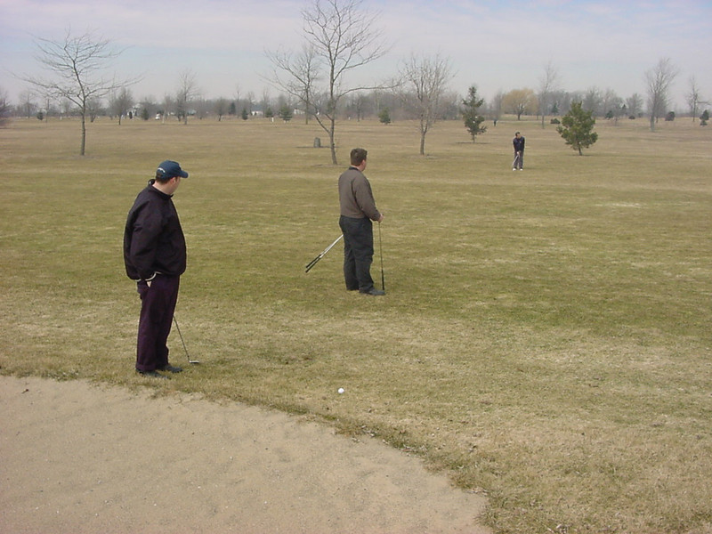 golf_010_louis_andy_dan_in_9th_fairway_032101