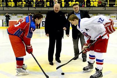 Капитан юниорской сборной России U16 Александр Подкорытов рассказал в интервью 74hockey.ru о победе на Турнире четырех наций.