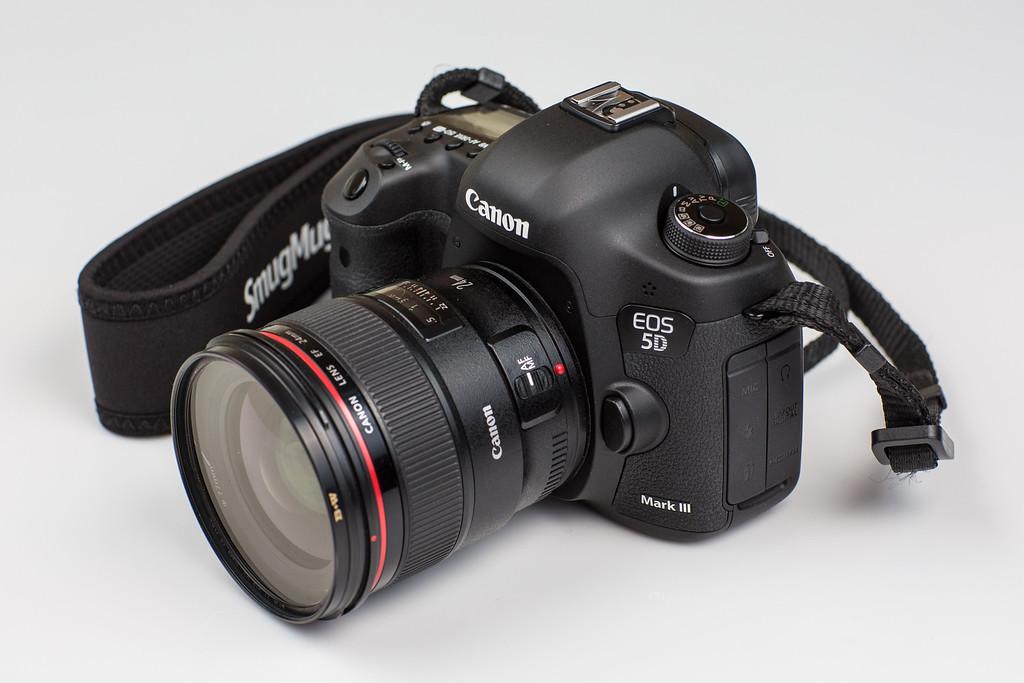 IMAGE: http://www.joonrhee.com/Misc/Canon-EF-85mm-f12L-II/i-Z2t7rhx/0/XL/614A0475-L.jpg