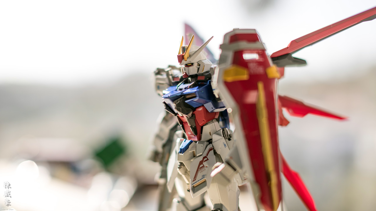 IMAGE: https://photos.smugmug.com/Misc/Collectibles/Aile-Strike-Gundam-METALBUILD/i-J8KFf5S/0/c9e2a577/X2/20190730-Canon%20EOS-1D%20X%20Mark%20II-1DX24699-X2.jpg
