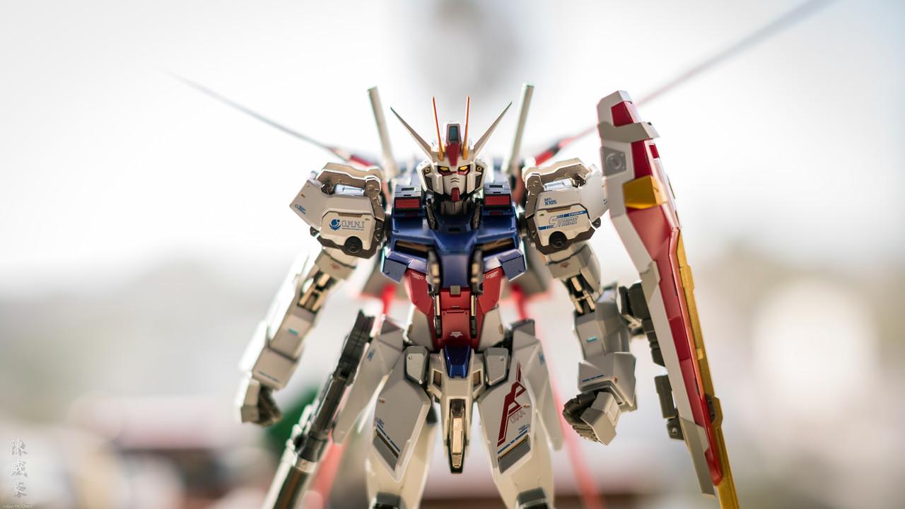 IMAGE: https://photos.smugmug.com/Misc/Collectibles/Aile-Strike-Gundam-METALBUILD/i-PxkmWD9/0/19eb939f/X2/20190730-Canon%20EOS-1D%20X%20Mark%20II-1DX24727-X2.jpg