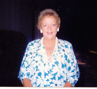 Vicki's Mom - Joan Schwartz-Skinner   July 18, 1932 - March 26, 2004 (72) .