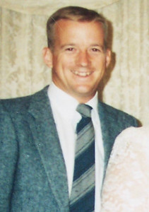 Mark Derickson  .