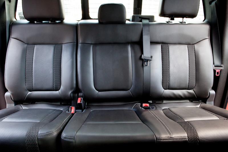 Ford Raptor zadní sedačky