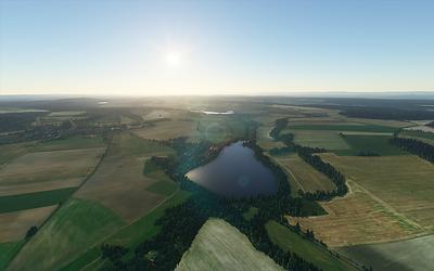 Lodenický rybník a Lodenice z větší výšky.