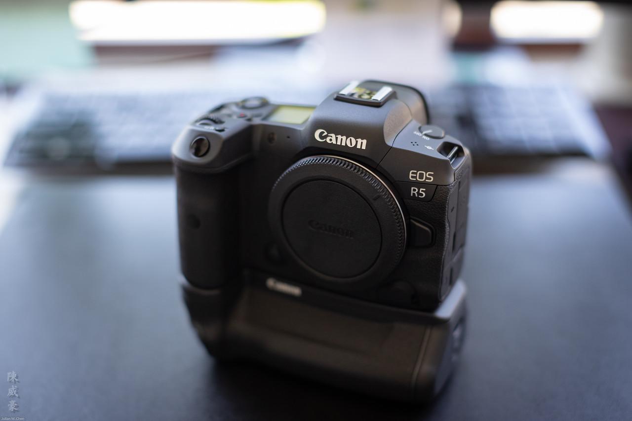 IMAGE: https://photos.smugmug.com/Misc/Gear/i-s8csfpB/0/3a63f0ef/X2/20200923-Canon%20EOS-1D%20X%20Mark%20III-1DX38138-X2.jpg