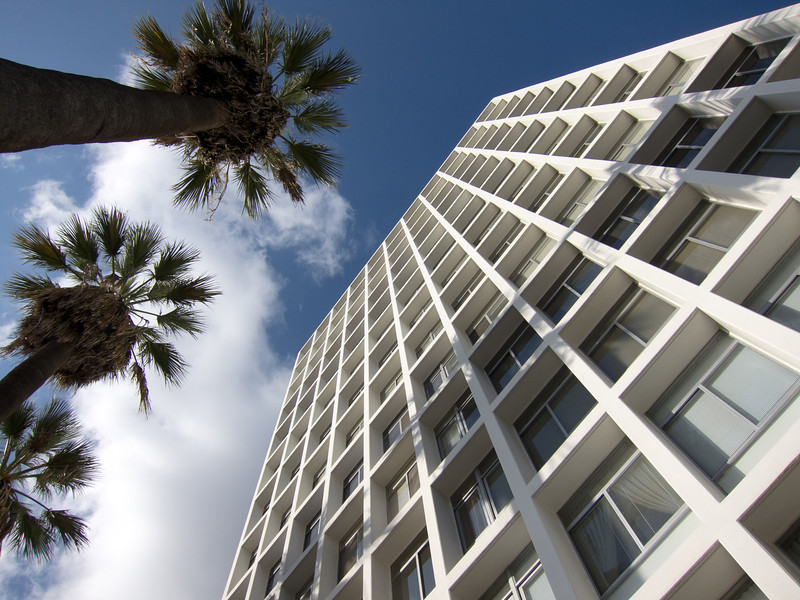 """<span id=""""title"""">Residential</span> <em>Hollywood / La Brea</em> At La Brea, Hollywood Boulevard goes from craziness to residential."""