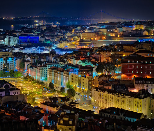 Here's one of my rare 90mm landscape/cityscape shots of Lisbon. When I look at this, I think I should try it more!