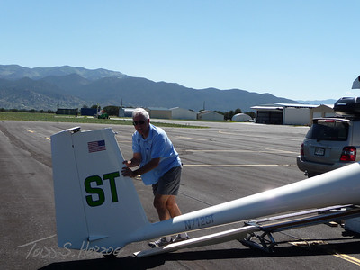 "Pushing my Glider ""ST"" out of the trailer"
