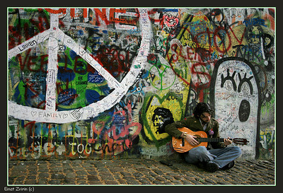 Peace Player The John Lenon Wall, Prague