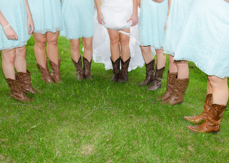 bride & bridesmaids in boots