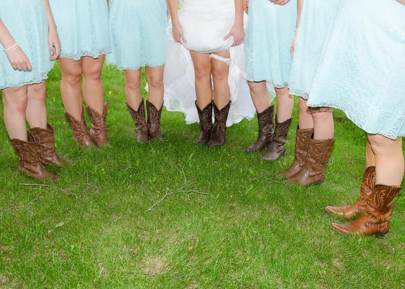 bride & bridesmaids in boots