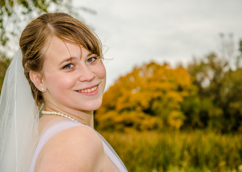 bride in the fall colors