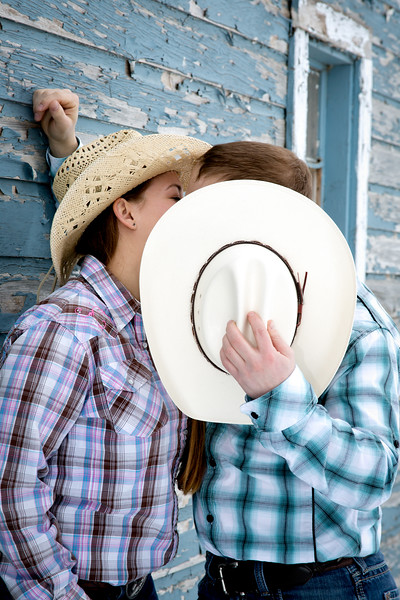 cowgirl kiss engagement session
