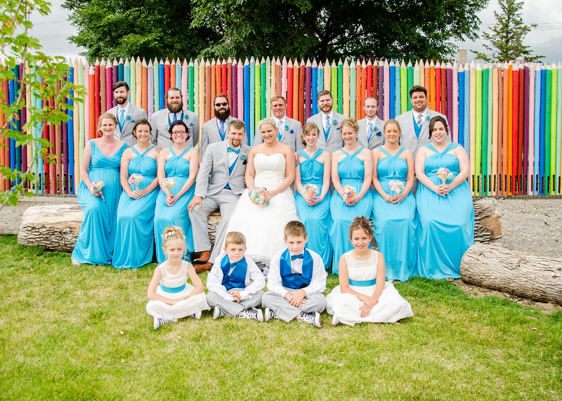 wedding party photo at Fargo Zoo