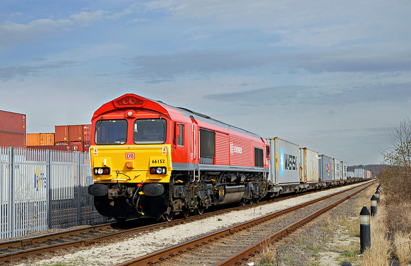 DB red 66152  on an intermodal on 16th March 2009. <br /> © Photo copyright DB Schenker.