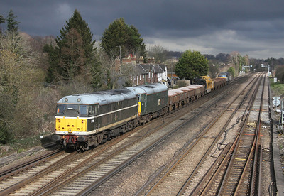 31190 Worting Junction on the rear of 6Z31 Totton Yard to Newark with 31452