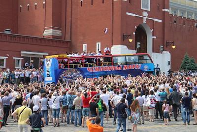 27 мая в Москве болельщики приветствовали триумфаторов минувшего чемпионата мира - сборную России.