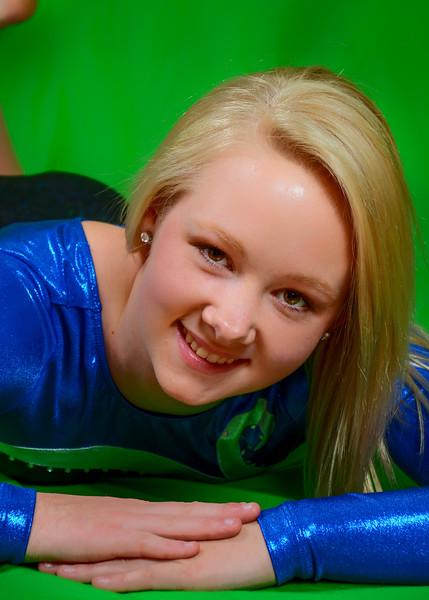 Senior portrait of girl on green screen