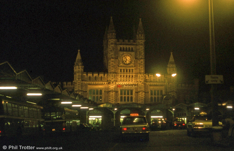 An evening shot of Bristol Temple Meads station in the early 1980s.