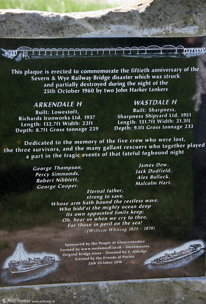 A memorial erected by the Friends of Purton at Sharpness which commemorates the events of that fateful night in 1960 and those who lost their lives. 26th May 2012.