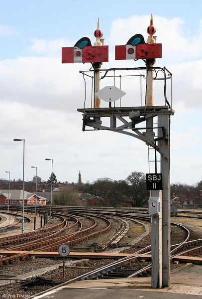A sample of the fine array of semaphore signals still to be seen around Shrewsbury. 14th March 2009.
