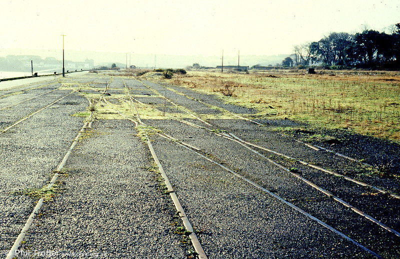 Rails still in situ on the quayside at Neyland on 16th February 1980; the station closed to traffic on 15th June 1964.