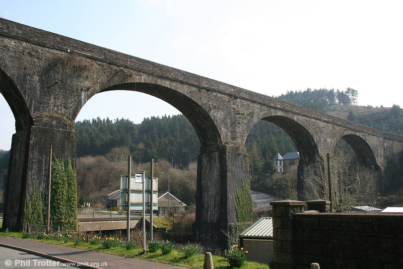 Pontrhydyfen's 'other' viaduct: it was built by John Reynolds in 1825 initially to carry a tramway and then a canal to supply water to a nearby iron works. 25th March 2007.