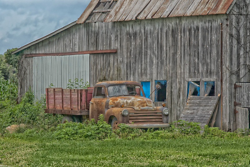 Old truck and barn in Indiana