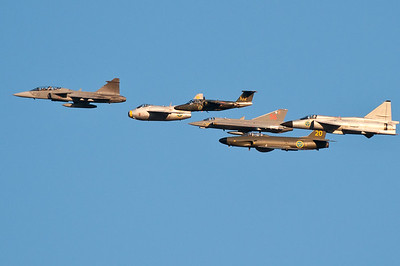 6 generations of Saab aircraft in one formation