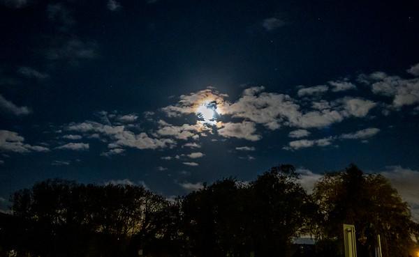 Thursday morning moonlight