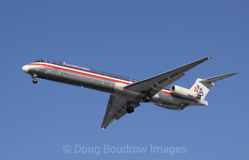American Airlines MD80 on final approach to Boston Logan, 1-16-09.