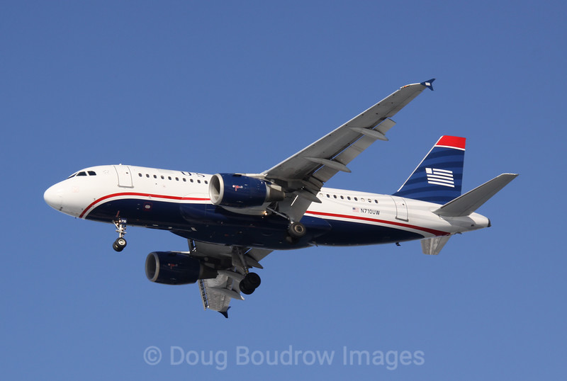 US Aiways Airbus A319 on final approach to Boston Logan, 1-16-09.
