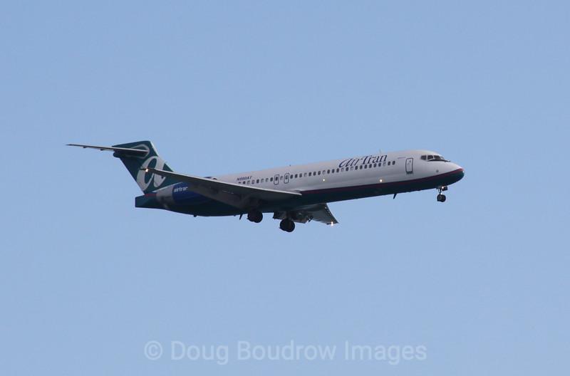 Air Tran Airways Boeing 717 on final approach to Boston Logan, 1-21-09.
